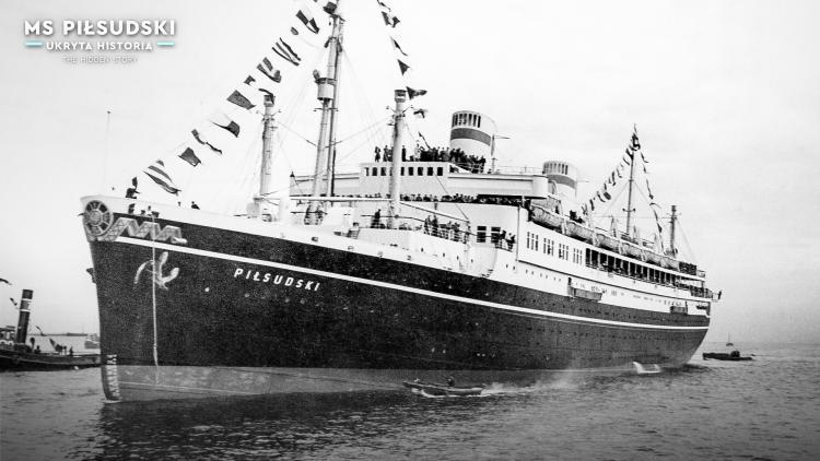 A black and white photograph showing the ocean liner during a cruise