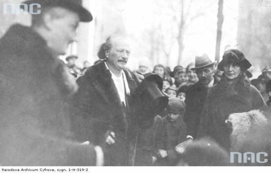 Paderewski w Poznaniu (ze zbiorów Narodowego Archiwum Cyfrowego, sygn. 1-H-319-2)