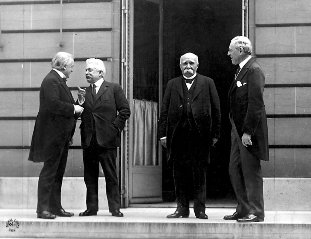 Wielka czwórka konferencji pokojowej w Paryżu (domena publiczna)