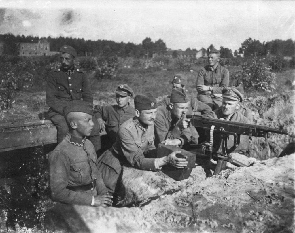 Polskie wojska broniące Miłosnej (domena publiczna)