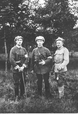 Grupa powstańców śląskich (ze zbiorów NAC, 1-H-464-1)