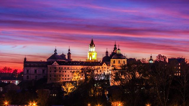zanek w Lublinie o zachodzie słońca