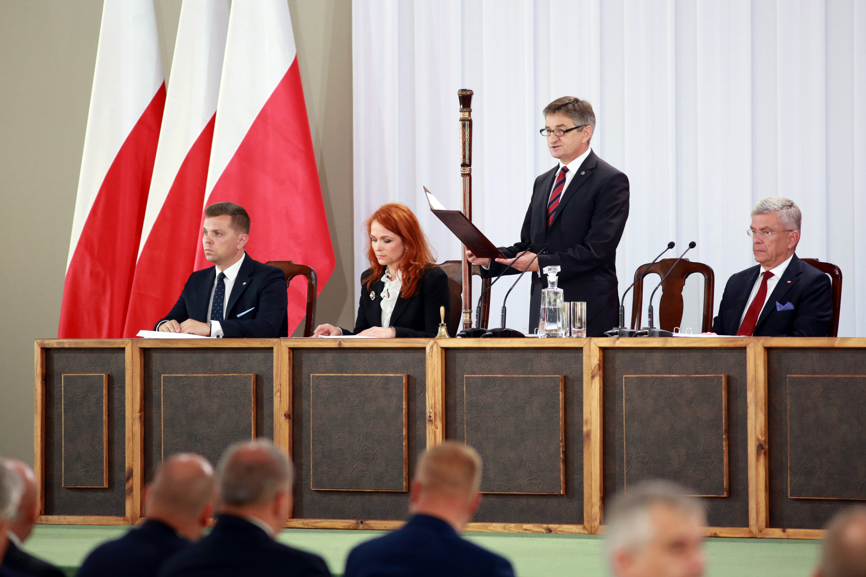 MArszałek Sejmu przemawiający w trakcie Zgromadzenia Narodowego
