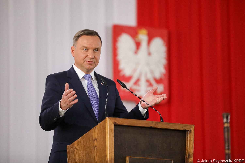 przemawiający Prezydent RP Andrzej Duda