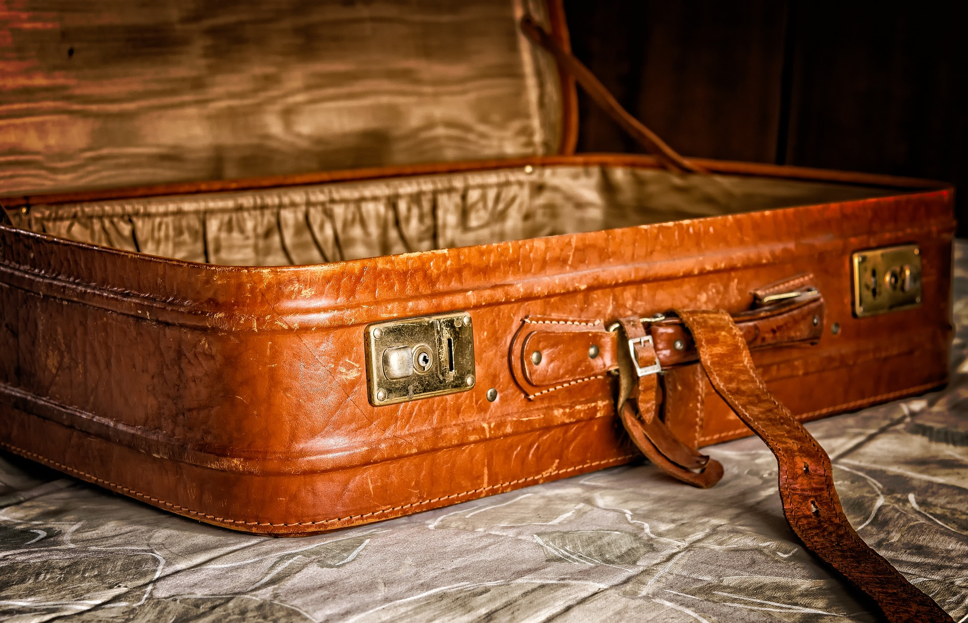staromodna walizka