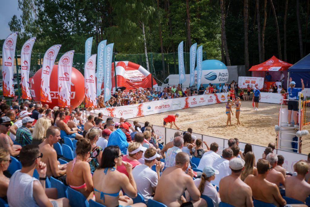 zdjęcie z rozgrywek siatkówki plażowej