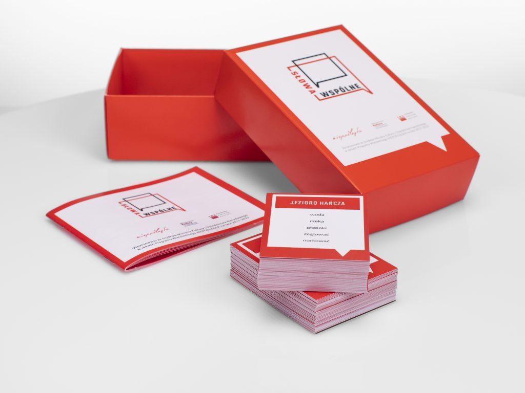 pudełko i karty do gry Słowa wspólne