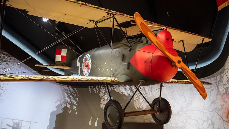 model samolotu z wystawy