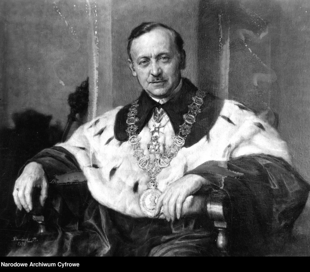 portret mężczyzny w ozdobnym stroju rektorskim w todze z futrem i łańcuchem na szyi