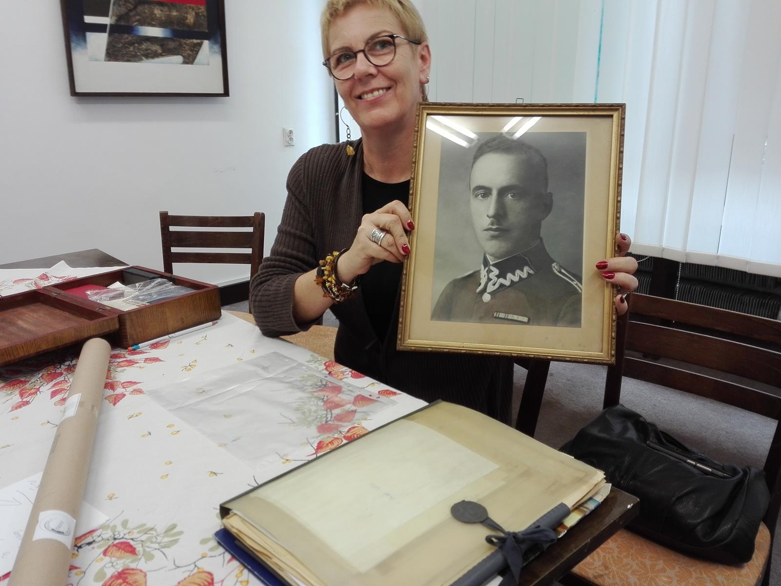 Portret Antoniego Knajdka przedstawia wnuczka, pani Barbara Jasińska