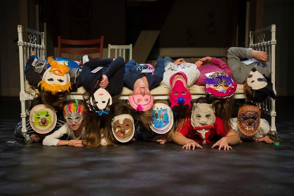 zdjęcie z warsztatów teatralnych dla dzieci