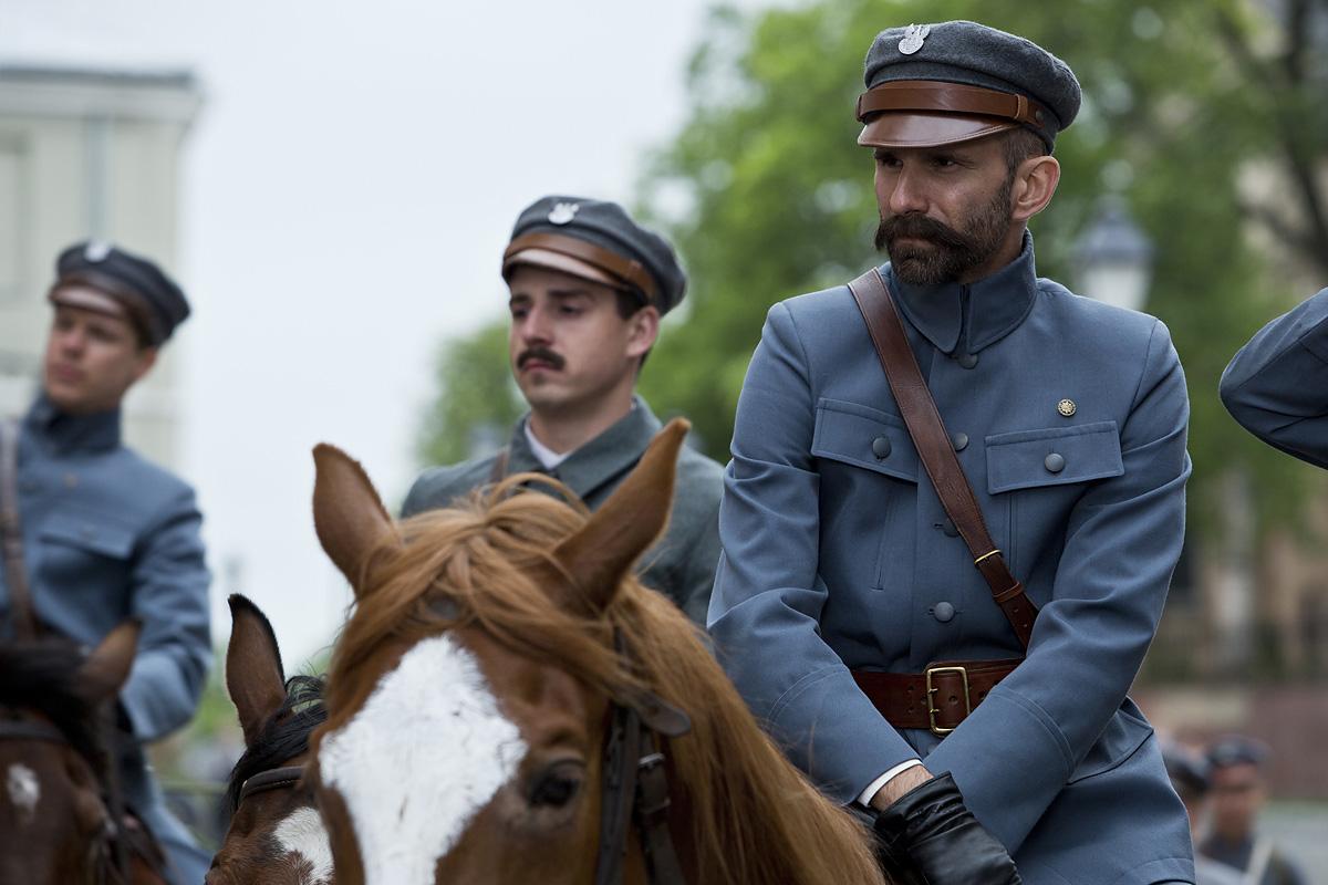 fotos z planu - Piłsudski na koniu
